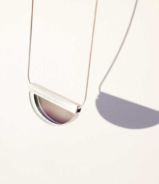 SiO2 glass jewelry - collar pétalo espejo